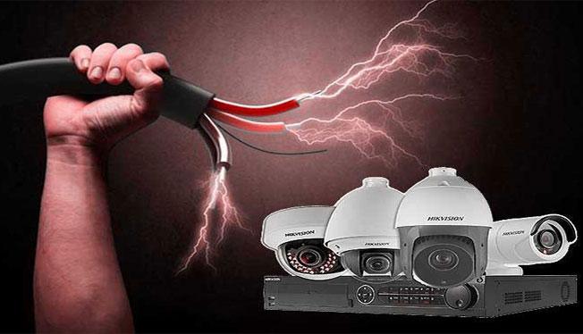 چگونه میتوان از دوربین مداربسته در برابر نوسان ولتاژ و رعد وبرق محافظت کرد؟